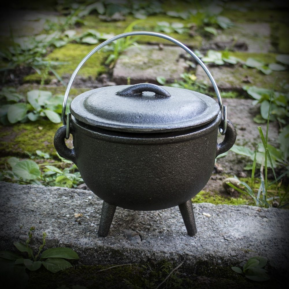 Cauldron and Lid 4.5 inches